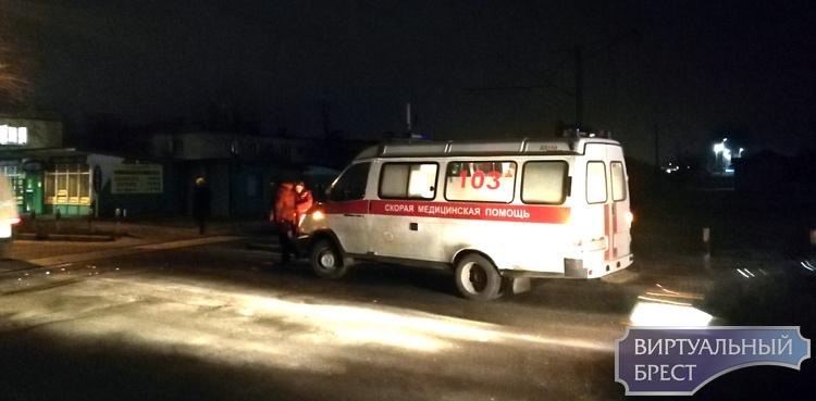 Автомобиль скорой помощи столкнулся с поездом в Бресте на ул. Красногвардейской