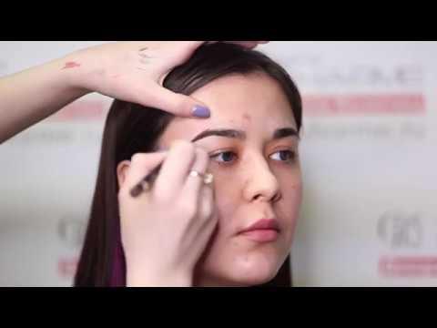 Урок макияжа от Charme: Лайнер для бровей Natural Finish
