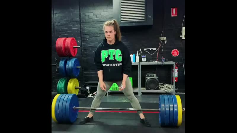 Изабелла Фон Вайзенберг тянет 217 5 кг