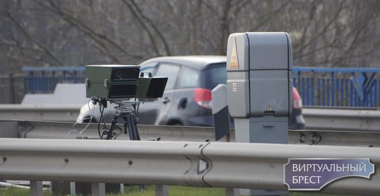 На пр. Республики к двум стационарным камерам контроля скорости добавили две мобильные