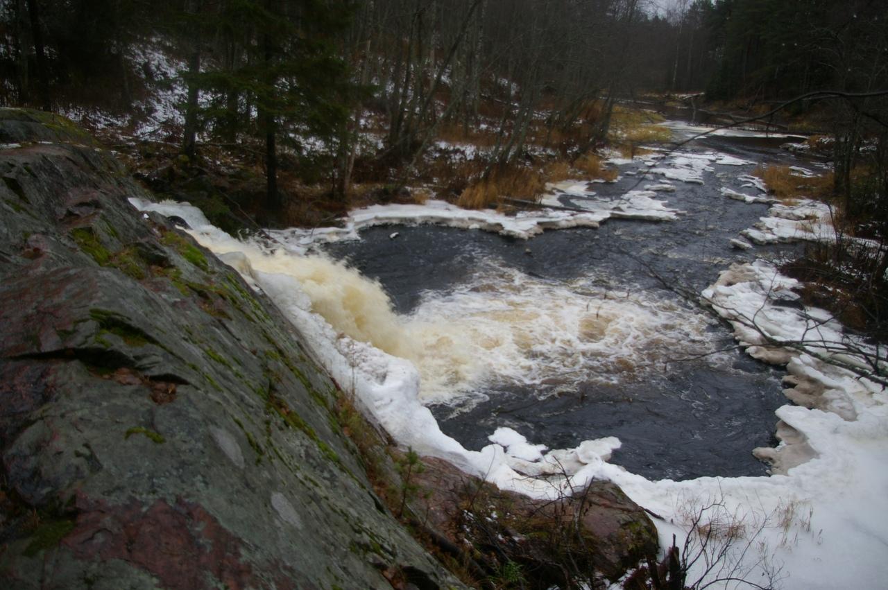 Карелия в ноябре. Водопады в Койриноя. Ладожские шхеры.