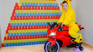Kid Play with COLORED CUPS and Ride on Sportbike