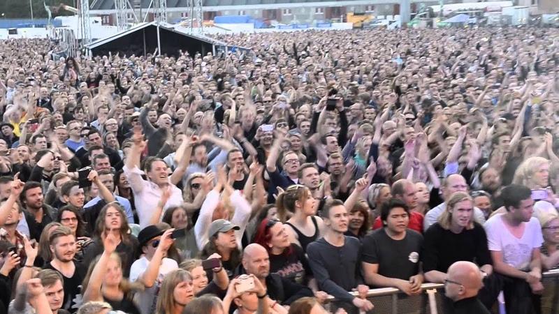 Stig Pedersen from D A D singing It's After Dark on Østerbro stadium the 5 of June 2015