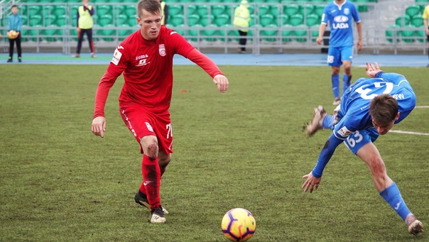 Егор Поздняков в матче ПФЛ