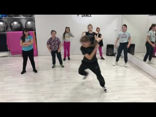 Break-dance в red point dance
