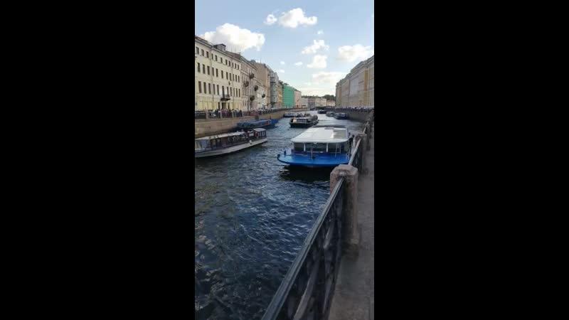 прекрасные белые лодка в аренду спб для фотосессии грамзаписью, приемом