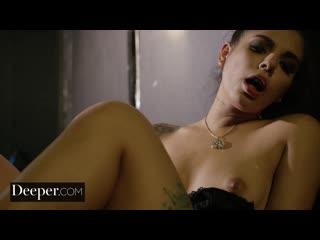 Горячая латиночка Джина Валентина (Gina Valentina) сосет член и трахается в подсобке latina, petite, blowjob, brunette
