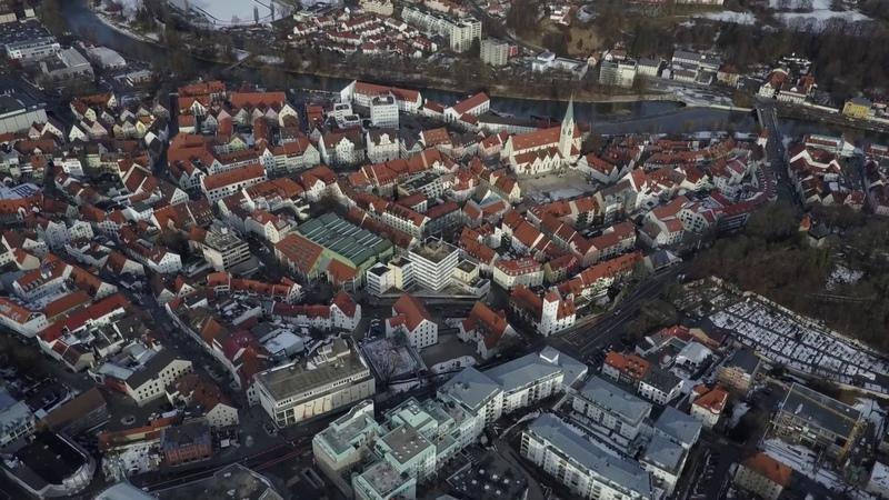 Flug über Kempten Allgäu Stadt von oben