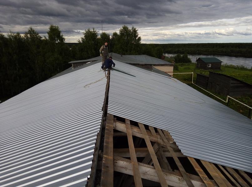 Ремонт крыши здания школы МОУ «ООШ» с. Нёбдино