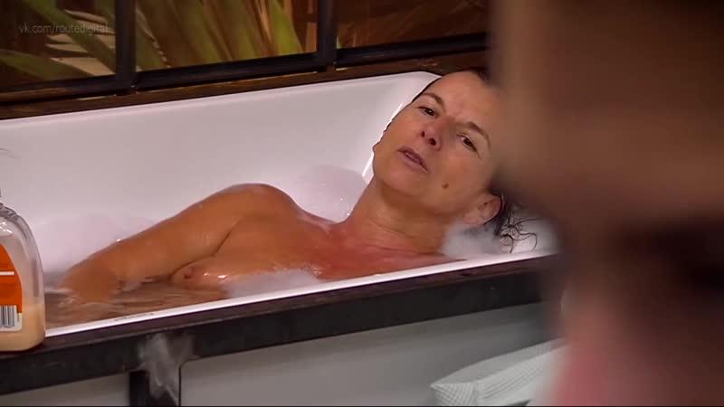 Kern  nackt Sarah Sarah kern