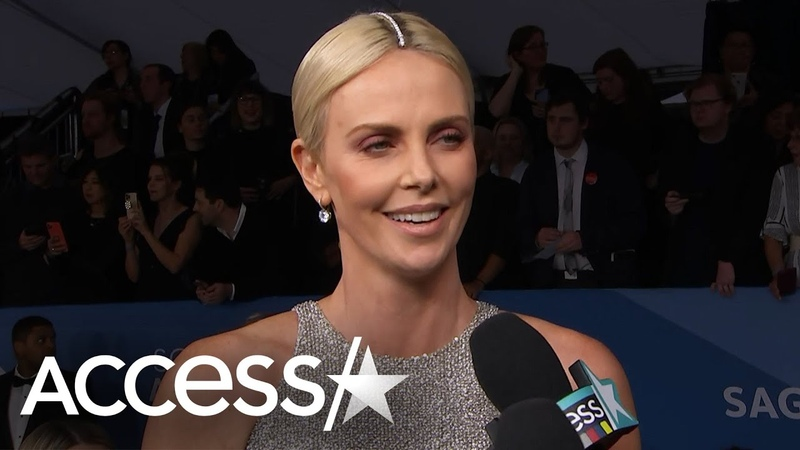 Charlize Theron's SAG Awards Fashion Shocker: 'I Was Just On My Knees In A Car Getting Dressed'