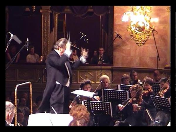 Yuri Simonov in concert 2002 Tchaikovsky 1812 Overture best conducting