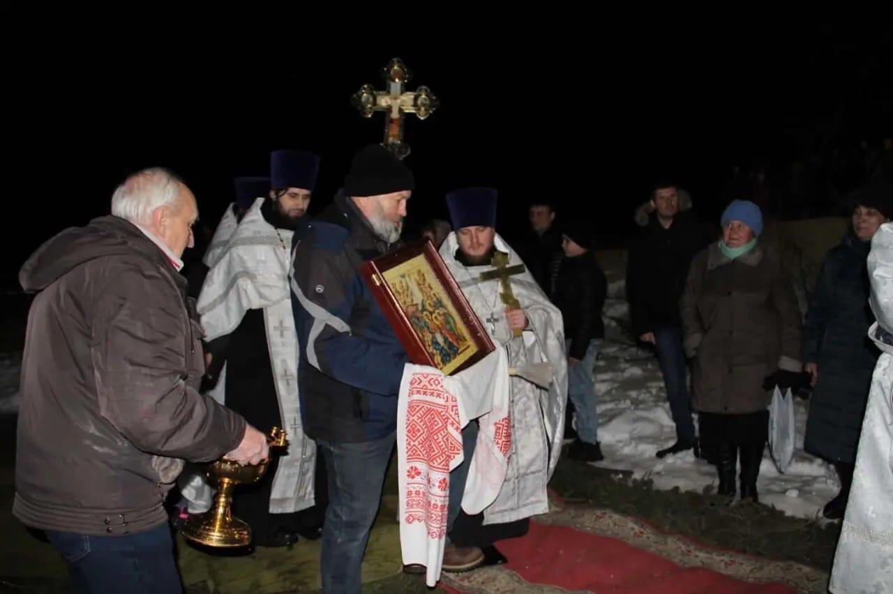 Православные верующие отмечают праздник Крещения