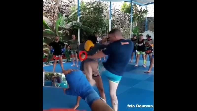 Работа в клинче локоть колено (Muay thai, Тайский Бокс)