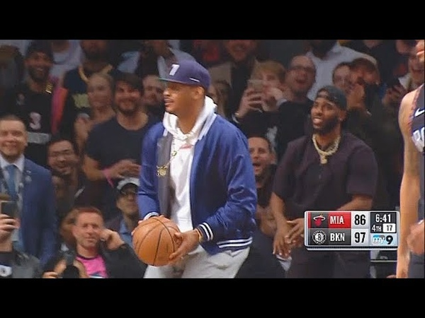 Carmelo Anthony Fools The Entire Nets Crowd By Attempting A Shot In Dwyane Wade's Final NBA Game