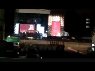 La video sur laquelle est partie la rumeur, louis en Niall seraient en train de repeter little black dress