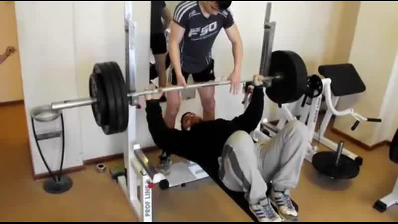 Эльбрус Мамалиев Жим 160 кг на 10 повторений