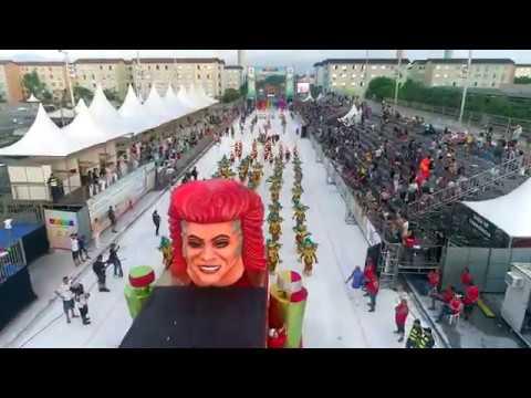 Segunda noite de desfiles lota passarela do samba santista