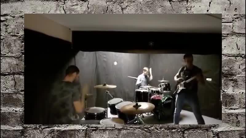 Дружная команда ждет тебя на бесплатное занятие по игре на барабанах