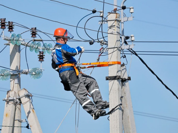 Жители четырех населенных пунктов КЧР останутся без электроснабжения