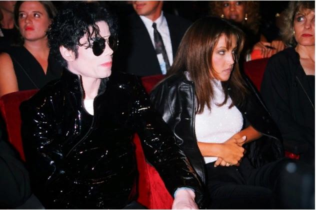 Дамы сердца Майкла Джексона. Лиза Мария Пресли. Часть 2., изображение №1