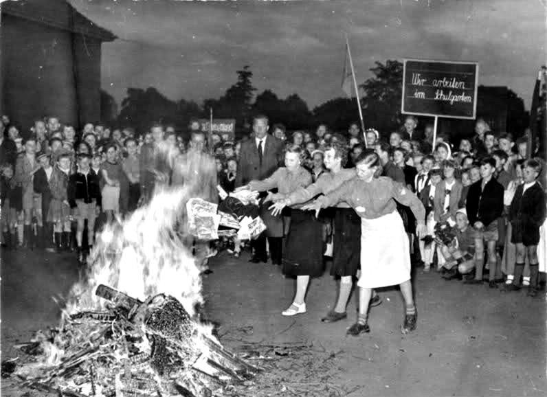 Какие книги жгли национал-социалисты, изображение №1