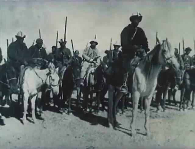 После того как участники восстания казахов 1940 - 1941 годов, приняли гарантии китайских властей относительно безопасности их жизней, сложили оружие, Оспан-батыр с несколькими соратниками отказался сдаться и продолжил борьбу.