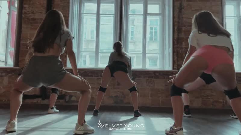 Blac Youngsta Cut Up Viktoria Boage Twerk VELVET YOUNG DANCE CENTRE