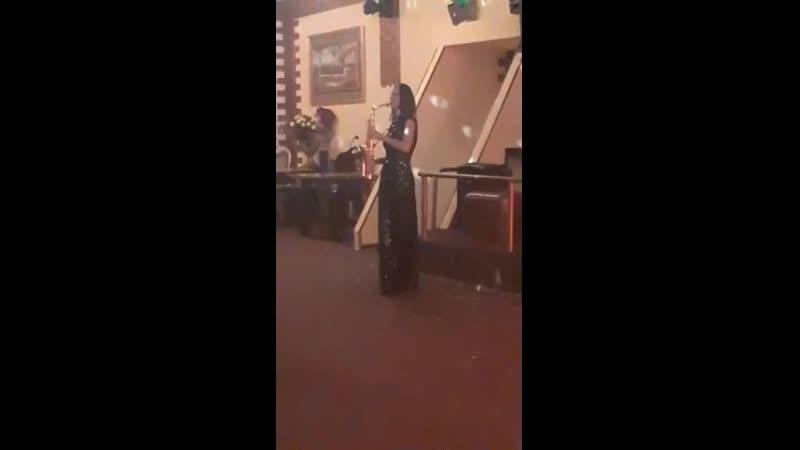 саксофонистка Вероника Норильск