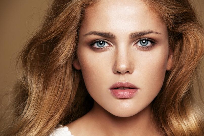 Секреты естественного макияжа фото девушки уставшей на работе
