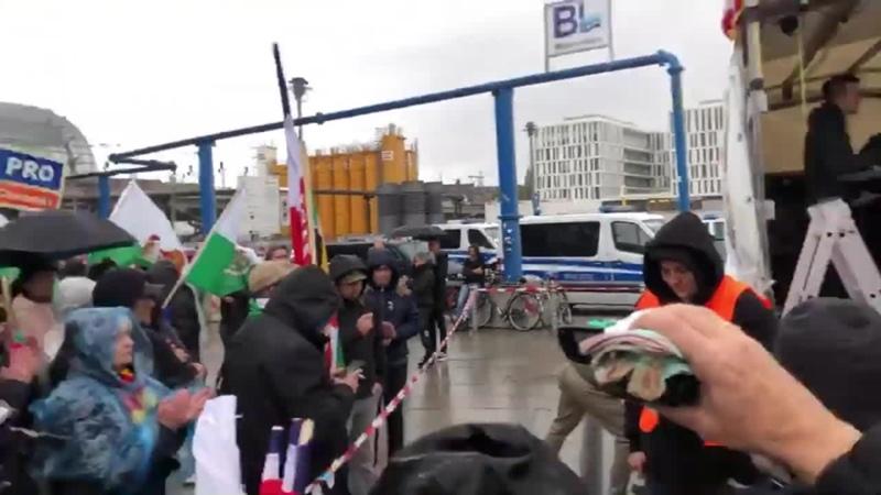 LIVE AUS BERLIN_ Großdemo zum Deutschen Nationalfeiertag 🇩🇪 (Teil 1) (720p_30fps_H264-192kbit_AAC)