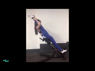 SLs AMAZING FLEXIBILITY STRETCHING 😍 - With Leah