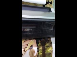 Новое залипательное видео😍 Мы знаем, что они вам нравятся) Процесс печати фото на холсте!  Напоминаем, что срок печати картин на холсте 2-3 дня❗