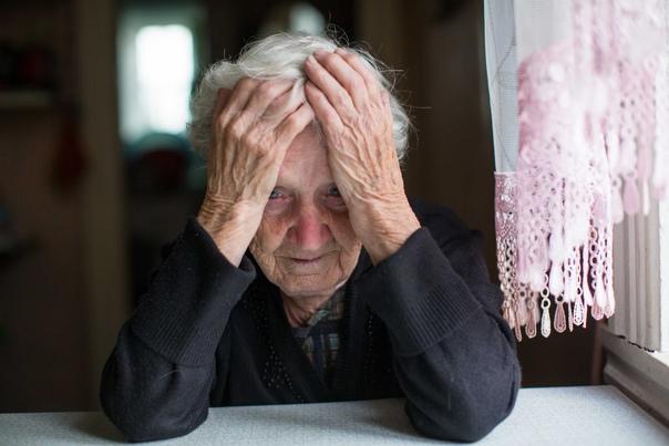 Пенсионеры без QR-кодов остаются без горячей еды. ...
