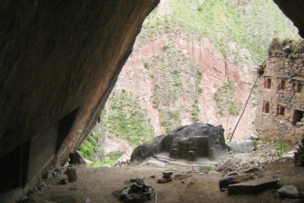 Вид на городище Чаупа Вака изнутри пещеры