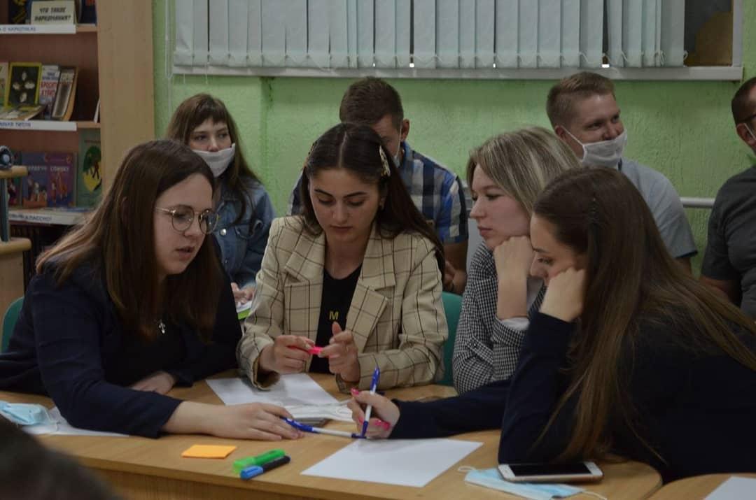 Петровчане обсудили концепцию освещения городских микрорайонов, улиц и зданий