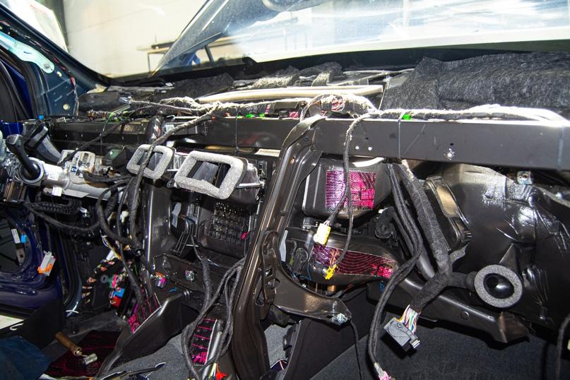 Комплексная шумоизоляция Audi Q5, изображение №34