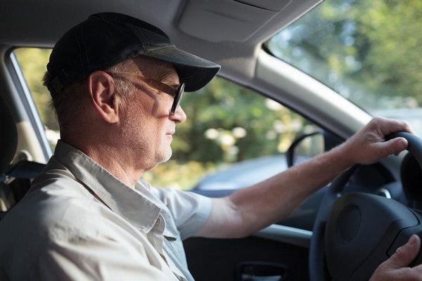 В Клинцах пожилой водитель серьезно покалечил женщину на пешеходном переходе https://newsbryansk.ru/fn_76   С серьезными травмами 47-летняя пострадавшая... ... [читать продолжение]