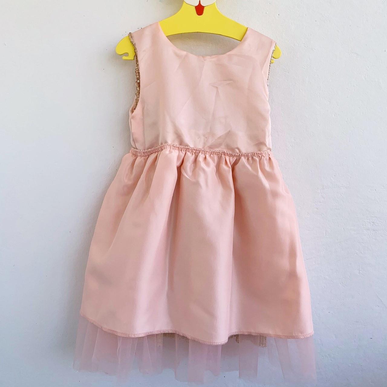 Платье с пайетками из магазина #ma&baby Official Store.