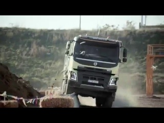 Девочка управляет машиной Вольво  Can i Kick it ? Volvo Trucks feat. 4-year-old Sophie