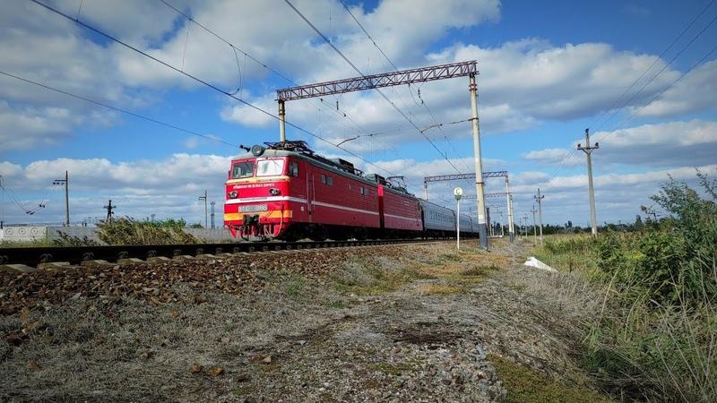 ВЛ10 1886 С Поездом 551А 552А Мурманск Симферополь следует по перегону Джанкой Отрадная