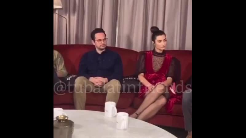 Túba en la entrevista por la serie en net TubaBüyüküstün MaraHatun RiseofEmpiresOttoman - NetflixTurkiye